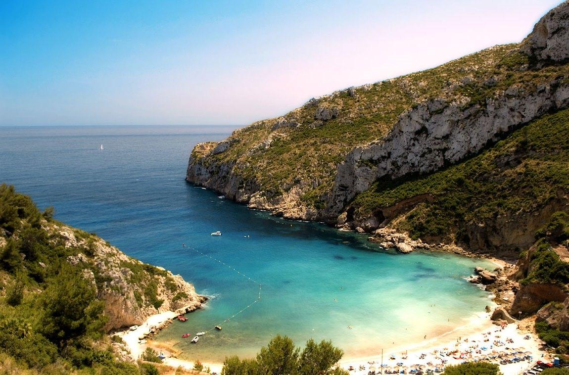 Фото на пляже в испании, На испанском пляже это делать можно (фото) 12 фотография